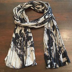 NWOT Black/Gray Tye-dye Scarf